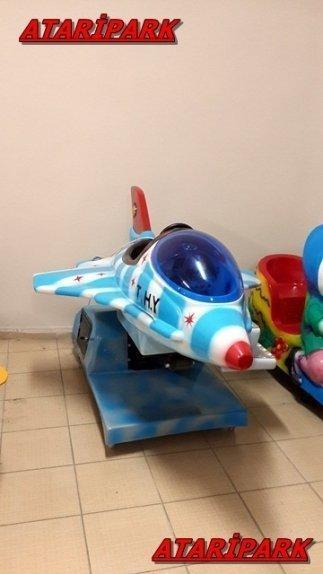 Jetonlu Oyuncak F16 Uçak